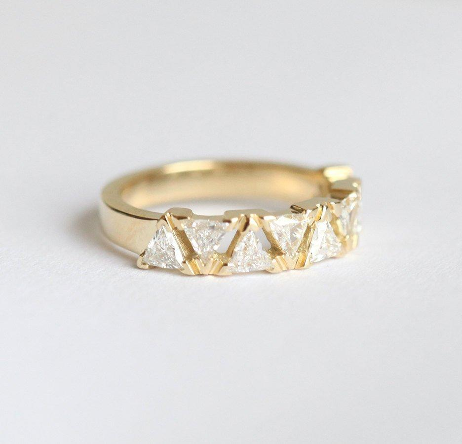 Triangle Diamond Band