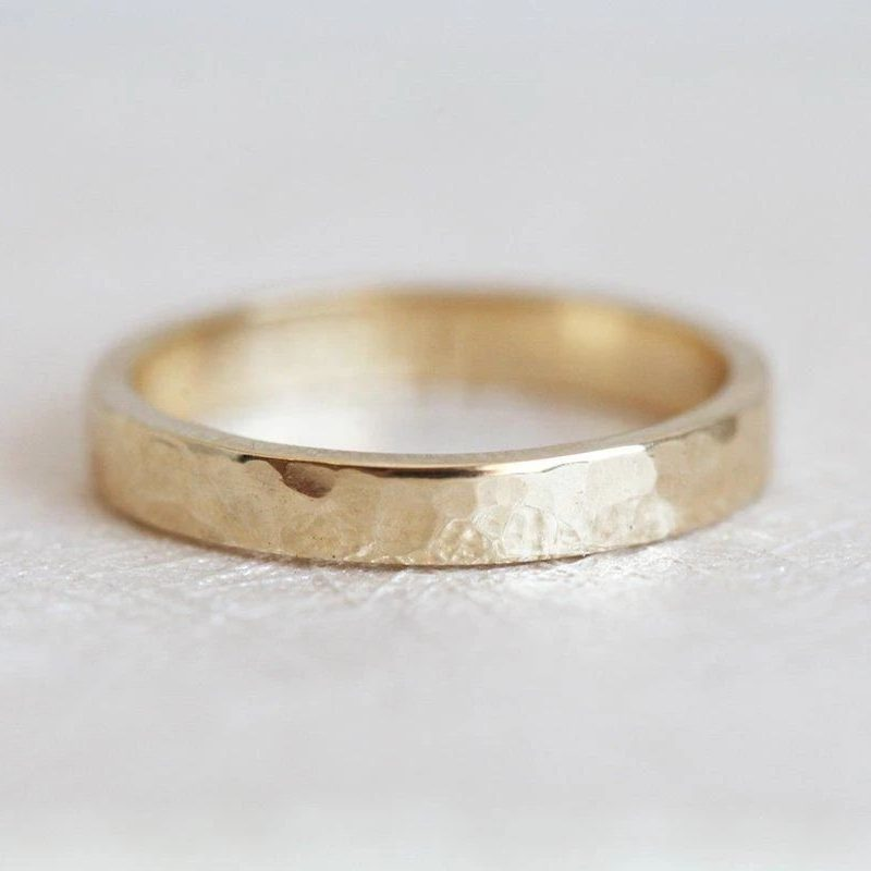 Pierrot-Hammered-Wedding-Ring
