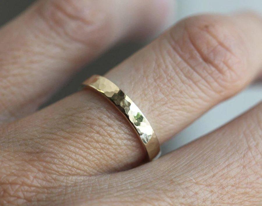 Pierrot-Hammered-Wedding-Ring