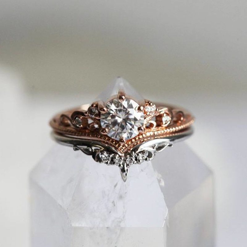 Bella-Moissanite-Enagement-Ring-Set