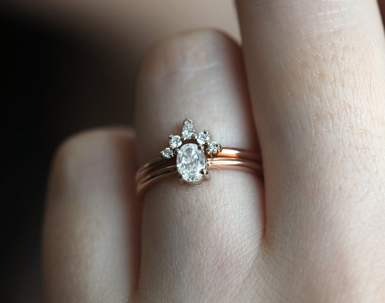 Oval-Diamond-Engagement-Ring-Set