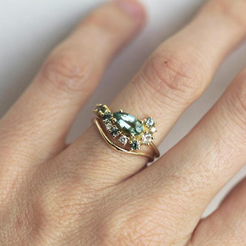 Thin-Curved-Delicate-Wedding-band