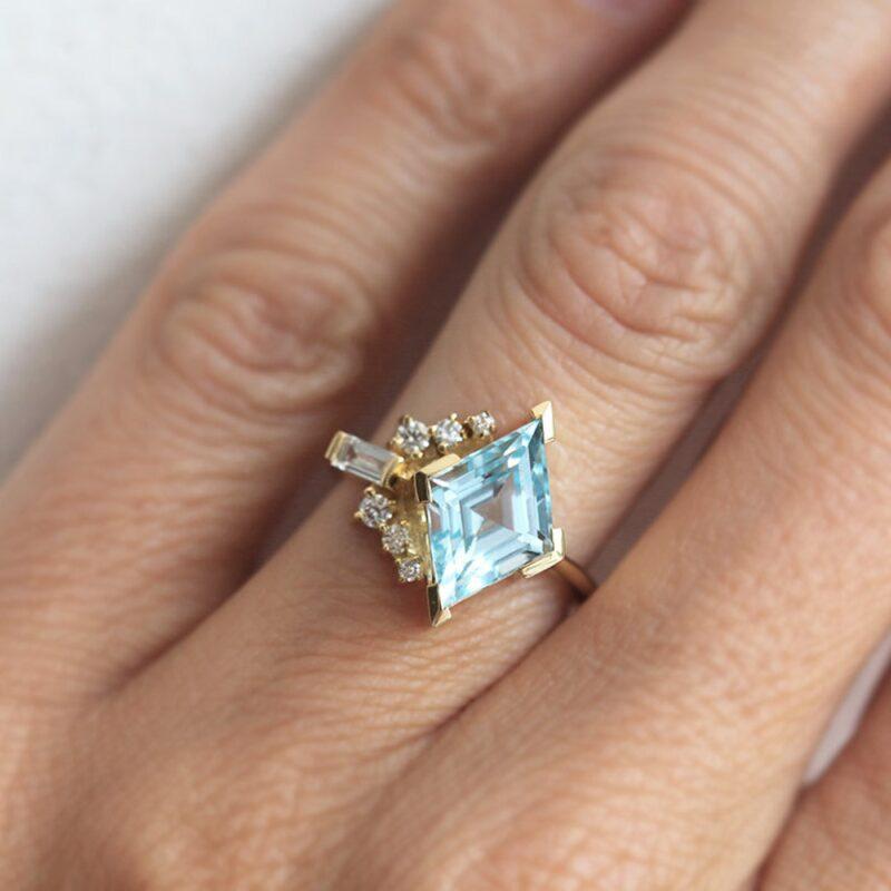 blue-kite-aquamarine-with-diamonds