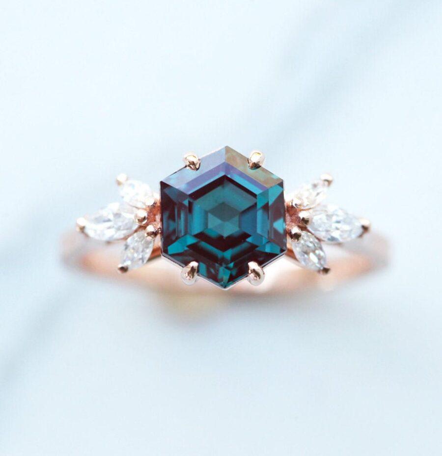 floral-hexagon-alexandrite-diamond-ring