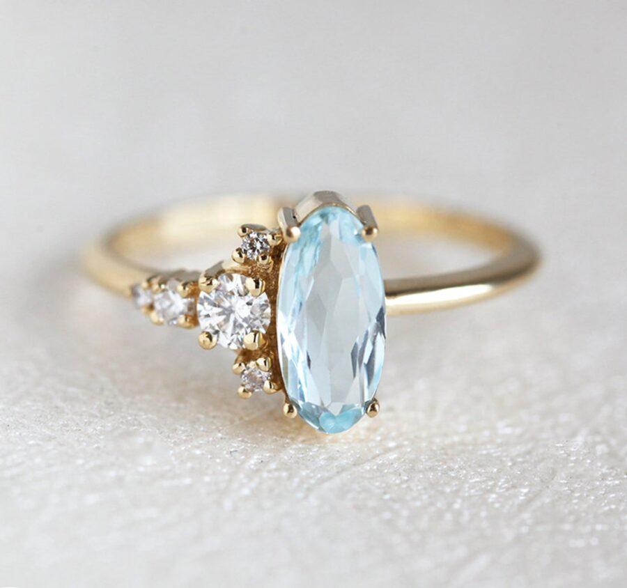 oval-diamond-aquamarine-ring
